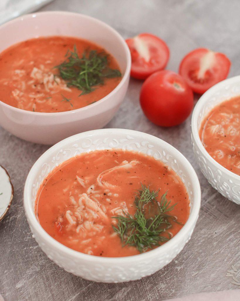 pomidoru sriuba su ryziais